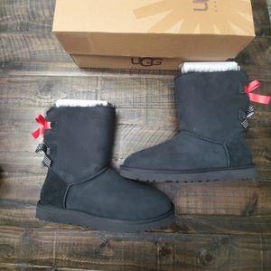 UGG Mini Bailey Bow Boots | 9